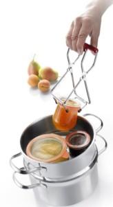 Westmark Koservenglas-Heber erleichtert das Einkochen
